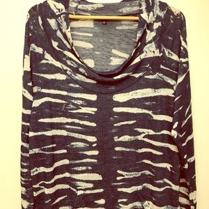 Cowl neck w/ a kangaroo pocket sweater, sz 1X